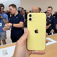Apple iPhone Users Must Not Forget To Do This Before Sunday White Iphone, Pink Iphone, New Iphone, Apple Iphone, Iphone Phone, Iphone 11 Colors, Free Iphone Giveaway, Accessoires Iphone, Iphone Hacks