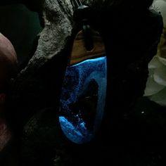 Olivenholz Harz Anhänger Magic Glow