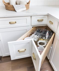 8 Vigorous Clever Tips: Small Kitchen Remodel Vintage galley kitchen remodel with peninsula.Kitchen Remodel Brown And White farmhouse kitchen remodel barn doors. Kitchen Corner, Smart Kitchen, New Kitchen, Kitchen Decor, Kitchen Ideas, Wooden Kitchen, Long Kitchen, Awesome Kitchen, Kitchen Interior