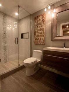 carrelage imitation bois, carreaux imitant parquet dans la salle de bain