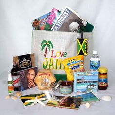 Fill your destination wedding bag with souvenirs and other fun items that bring out your theme!