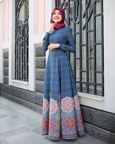 Shop Hürrem Dress - Blue in Dresses category. Modanisa your online muslim modest fashion store. Islamic Fashion, Muslim Fashion, Modest Fashion, Fashion Dresses, Vestido Batik, Batik Dress, Modest Dresses, Modest Outfits, Nice Dresses