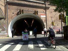 Rosario. Túnel Illía en el recorrido de la Calle Recreativa