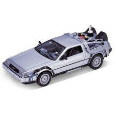 DeLorean Retour vers le Futur 2 un peu différente que la premiére