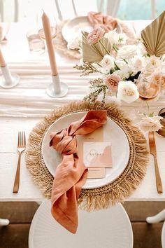 Boho Wedding, Dream Wedding, Wedding Day, Bohemian Wedding Decorations, Wedding Pins, Summer Wedding, Destination Wedding, Table Set Up, Wedding Table Settings
