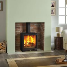 The Stovax Vogue features a spacious window that provides an uninterrupted view of the impressive flame picture and is suitable for smoke controlled areas.