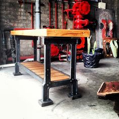 Great cast vintage sidetable!!! One of the many vintage industrial pieces in at the moment.