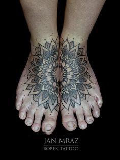 Foot tattoos – Foot tattoo – Mandala foot tattoo – Sunflower foot tattoos – Mandala tattoo – F - Amy's World Tatuaje Mandala Floral, Colorful Mandala Tattoo, Mandala Tattoos For Women, Small Mandala Tattoo, Foot Tattoos For Women, Forearm Mandala Tattoo, Mandala Tattoo Shoulder, Mandala Tattoo Sleeve, Tattoos Mandala