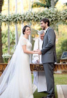 """Casamento no campo: Roberta e André disseram """"sim"""" na Fazenda Vila Rica, em uma clima aconchegante e familiar"""