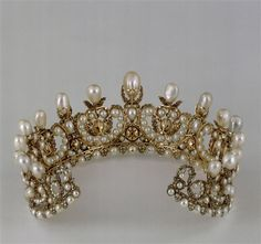 Diadème de l'impératrice Eugénie (Tiara belonging to Empress Eugenie of France) ca. 1853 | In the Swan's Shadow
