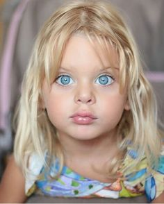 Image baby images in Baby Images album Beautiful Eyes Color, Beautiful Little Girls, Stunning Eyes, Gorgeous Eyes, Pretty Eyes, Beautiful Children, Cool Eyes, Beautiful Babies, Amazing Eyes