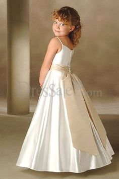 one of my siblings seriously needs to concider getting married so Isabella can wear this dress
