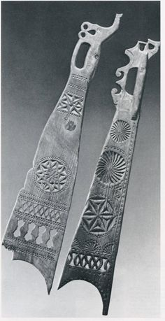Flax sword with symbols