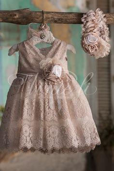 Baby Girl Frocks, Frocks For Girls, Baby Girl Dresses, Flower Girl Dresses, Toddler Girl Outfits, Kids Outfits, Baby Girl Fashion, Kids Fashion, Award Show Dresses