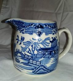 Blue Willow China, Blue And White China, Blue China, Love Blue, White Dishes, White Pitchers, Blue Dishes, Color Combinations Home, Chinoiserie