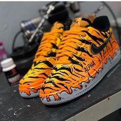 🐯 Tiger Forces 🐯  👉 for more sneaker art! 👉 for more sneaker art! 👉 for more sneaker art! Sneaker Plug, Sneaker Art, Custom Painted Shoes, Custom Shoes, Custom Af1, Sneakers N Stuff, Sneakers Nike, Sneakers Women, Zapatillas Nike Jordan