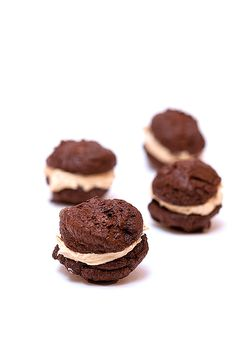 Mini Peanut Butter Brownie Whoopie Pies    Enjoy a healthier version of this classic lunch box treat!