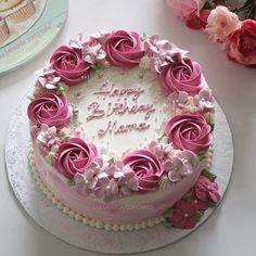 Trendy Ideas For Cake Fondant Flowers Buttercream Roses Trendy Ideas For Cake F Pretty Cakes, Beautiful Cakes, Fondant Cakes, Cupcake Cakes, Fondant Cake Decorations, Mini Cakes, Buttercream Cake Designs, Buttercream Flower Cake, Frosting