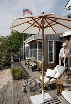 More of the Hamptons beach house Coastal Cottage, Coastal Homes, Coastal Style, Coastal Living, Porches, Die Hamptons, Hamptons House, Outdoor Spaces, Outdoor Living