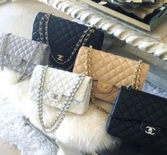 Chanel handbags are always gaining a great impression on most of the ladies' faces. Whenever we sow Chanel bags on stores or receiving it as a birthday gift, Chanel Handbags, Fashion Handbags, Purses And Handbags, Fashion Bags, Chanel Bags, Moda Fashion, Gucci Fashion, Luxury Bags, Luxury Handbags