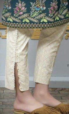 Salwar Designs, Kurti Designs Party Wear, Stylish Dresses For Girls, Stylish Dress Designs, Designer Kurtis, Salwar Pants, Patiala Salwar, Plazzo Pants, Kurta Neck Design