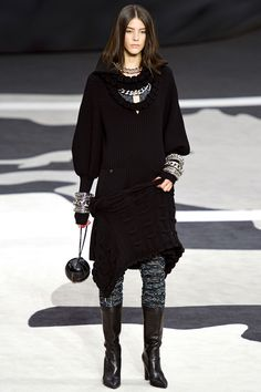 Chanel | Fall 2013 Ready-to-Wear Collection | Carla Chiffoni