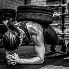 CrossFit is tough! Here are 25 highly motivational CrossFit photos and quotes to help inspire you to push to your mental and physical limits in training. Photos Fitness, Gym Photos, Fitness Motivation Pictures, Sport Motivation, Crossfit Motivation, Quotes Motivation, Daily Motivation, Training Motivation, Female Gym Motivation