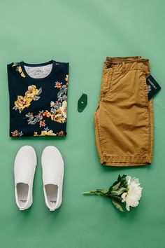 Gap's printed tee and beach shorts are perfect for poolside lounging or casual days in the city. Shop this look and all new men's arrivals.