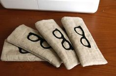 Here is a fun sewing project that anyone can do.  Make yourself an glasses case to protect your specs!