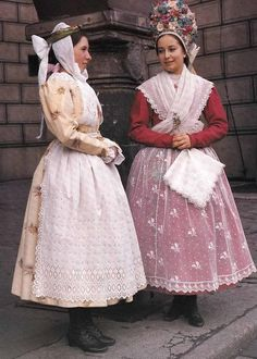 polish costume | Details about BOOK Polish Folk Costumes Embroidery in Polish/English