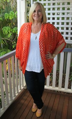 a3f4e5a469b How a cape or kimono jacket can change a basic outfit in one easy move