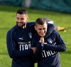 Antonio Candreva (L) and Marco Verratti of Italy are joking during a training session at Italy club's training ground at Coverciano on November 7, 2017 in Florence, Italy. - 28 of 102