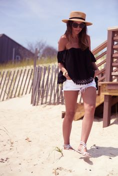 Latest 2018 Beach Apparel for Upcoming Summer Looks – Designers Outfits Collec., BEACH OUTFİTS, Latest 2018 Beach Apparel for Upcoming Summer Looks – Designers Outfits Collection. Summer Vacation Outfits, Cruise Outfits, Mode Outfits, Short Outfits, Spring Outfits, Fashion Outfits, Beach Outfits, Vacation Style, Travel Style