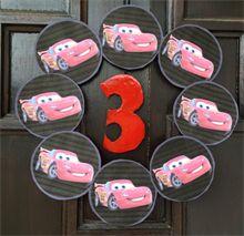 DIY - lag ting selv til bursdagen. Dørkrans Disney Biler