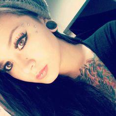 I flippin' love how she got her dermal piercings done!!