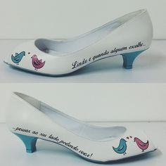 Wedding shoes ♥ Bride shoes ♥ Sapato de noiva ♥ #lapupa #bride #weddingshoes #shoes #handmade #handpainted #bride #vestidodenoiva #art #artshoes #brideshoes #weddingshoes #noiva #sapatodenoiva #wedding #inspiration #design #designshoes #bridal #bridalshoes #casamento #sapatos #sapato #pic #fotografia #photografy #savethedate #studio #studiolapupa #bird #birds www.lapupa.com.br