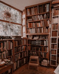 Book Aesthetic, Aesthetic Rooms, Aesthetic Pictures, Dream Library, Home Libraries, Book Nooks, Dream Rooms, My Dream Home, Future House