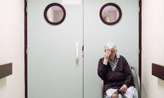 Photographer Captures The Heartbreaking Reality Of Alzheimer's