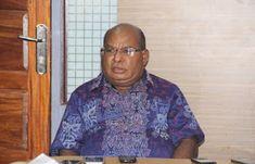 Gubernur Papua Lukas Enembe menilai potensi wisata hiu di Kabupaten Nabire bakal mendunia bila dikelola dan dipromosikan secara maksimal ke...