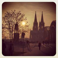 Köln-Deutz mit Bilck auf den Kölner Dom und der Hohenzollernbrücke
