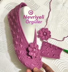 Tunisian Crochet Stitches, Knitting Stitches, Hand Knitting, Knit Slippers Free Pattern, Knitted Slippers, Crochet Shoes, Knit Or Crochet, Baby Knitting Patterns, Crochet Patterns