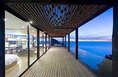 Fantastic porch and patio  Architektur: Casa Till – ein tolles Haus mit Blick aufs Meer | KlonBlog