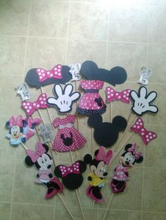 Minnie Mouse Photo Booth Props Happy Birthday Mickey Mouse, Minnie Mouse Theme, Minnie Mouse Baby Shower, Mickey Party, 6th Birthday Parties, Baby Birthday, Birthday Ideas, Baby Party, Photo Booth