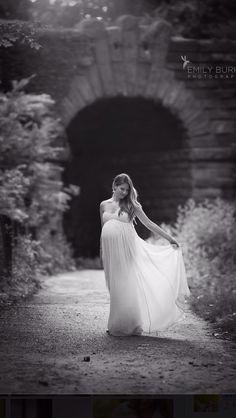 Maternity photo shoot. Central Park. Emily Burke. 36 weeks.
