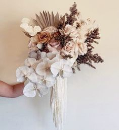 Unique Wedding Flowers Trend Inspiration from Lovely Bride Boho Wedding Flowers, Bridal Flowers, Flower Bouquet Wedding, Floral Wedding, Boquet, Bouquet Flowers, Dried Flower Arrangements, Wedding Flower Arrangements, Dried Flowers