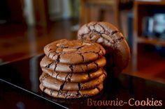 """750g vous propose la recette """"Brownie-cookies"""" notée 4.2/5 par 245 votants."""