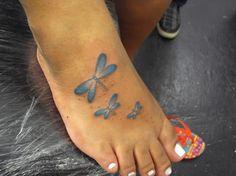 Tatuagem / Libélula / Colorida  / Pé / Tattoo / Dragon-fly / Colorful / Foot #studio900 #crismaia