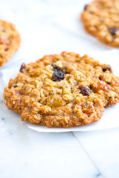 Soft and Chewy Oatmeal Raisin Cookie- I made them with other dried fruit leftover from the fruitcake. Only soft and chewy though if you make thick cookies. The thiner ones were crispy. The Oatmeal, Oatmeal Cookie Recipes, Oatmeal Raisin Cookies, Just Desserts, Dessert Recipes, Sem Lactose, Cookies Et Biscuits, Cookies Soft, Sweet Tooth