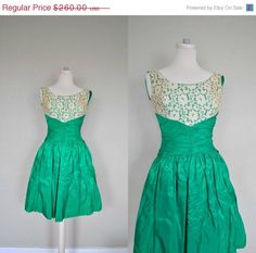 Summer Cocktail Dress / 1950s Dress / Small Vintage Party Dress/ Small / Vintage 50s Prom Dress /  Emerald Green Lace Full Skirt Party Dress