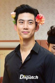 140913 2PM Taecyeon 'Go Crazy' Backstage
